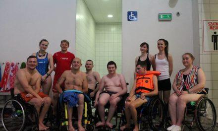 MOSiR szkoli ratowników pod kątem współpracy z osobami niepełnosprawnymi