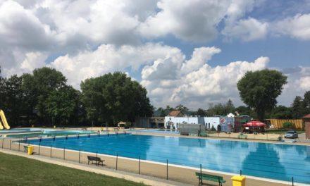 Rozpoczęcie sezonu letniego na basenie BŁĘKITNA FALA